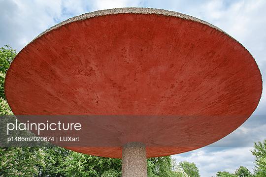 Betonpilz - p1486m2020674 von LUXart