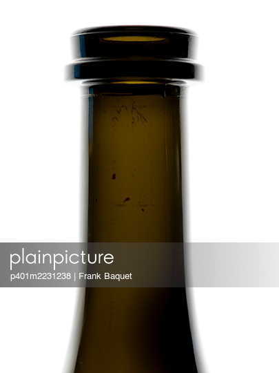 Neck of a wine bottle - p401m2231238 by Frank Baquet
