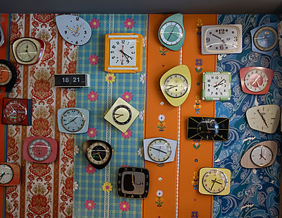 Different kitchen clocks - p1567m2172668 by Claire Picheyre