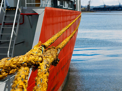 Close up of mooring ropes on boat - p42916991 by Charlie Fawell