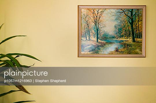 Landschaftsgemälde an der Wand - p1057m1216963 von Stephen Shepherd