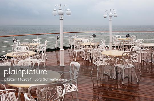 MS Deutschland - Traumschiff - p1202m1162094 von Jörg Schwalfenberg