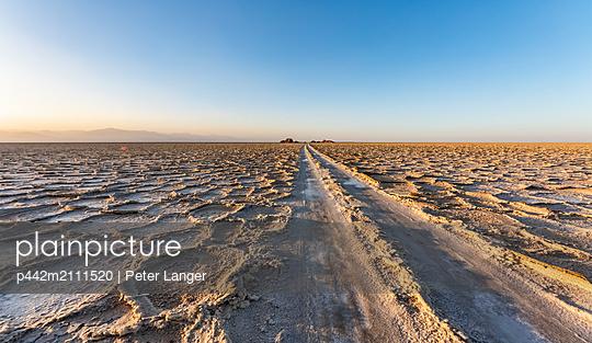 Salt flats of Lake Karum (Lake Assale) at sunset, Danakil Depression; Afar Region, Ethiopia - p442m2111520 by Peter Langer