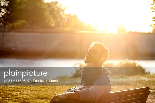 Schöne Stunde - p981m1162827 von Franke + Mans