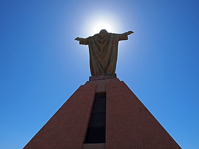Statue of Christ on Morro de Arica - p338m1355488 by Marion Beckhäuser