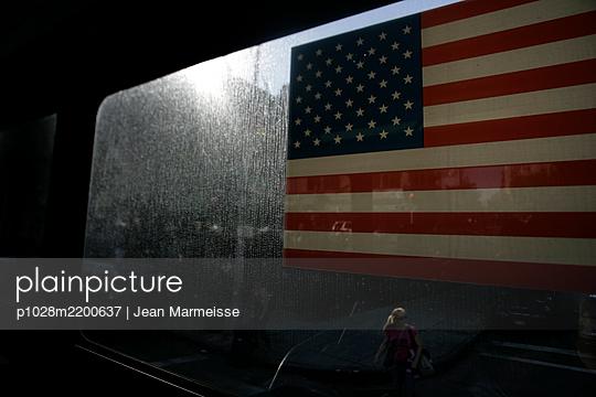 Manhattan, NYC - p1028m2200637 by Jean Marmeisse