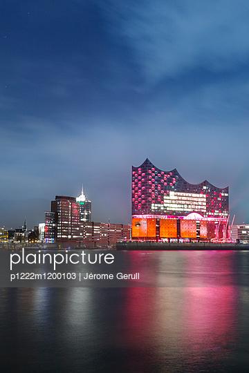 Elbphilharmonie - p1222m1200103 von Jérome Gerull