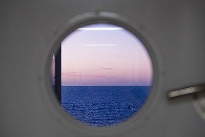 Porthole - p930m2148392 by Ignatio Bravo