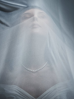 Bride - p968m1589237 by roberto pastrovicchio
