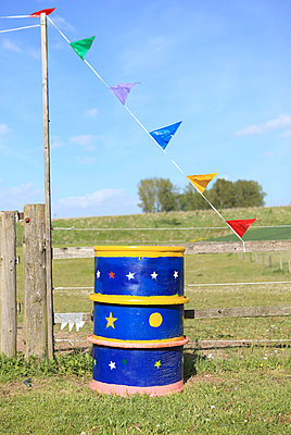 Rain barrel - p045m1031230 by Jasmin Sander