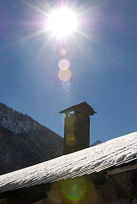 Sonne überm Schornstein - p260m900880 von Frank Dan Hofacker