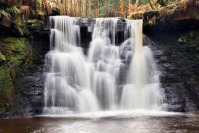 Goitstock Waterfall, Cullingworth, Yorkshire, England, United Kingdom, Europe - p871m1011673f by Mark Sunderland