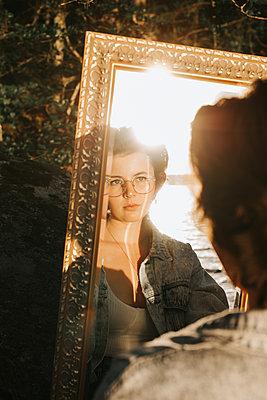 Mirror outside - p1507m2196137 by Emma Grann