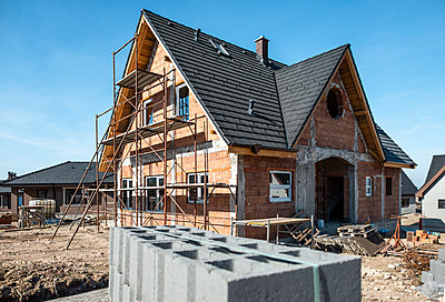 Bulgaria, Plovdiv, one-family house under construction - p300m2069260 by Deyan Georgiev