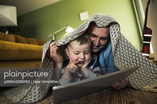 deutschland,mannheim,lifestyle,people,family,zuhause - p300m2286953 von Uwe Umstätter