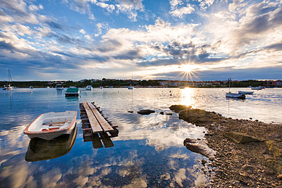 Croatia, Istria, Medulin, Harbor at sunrise - p300m1505861 by Lorenzo Mattei