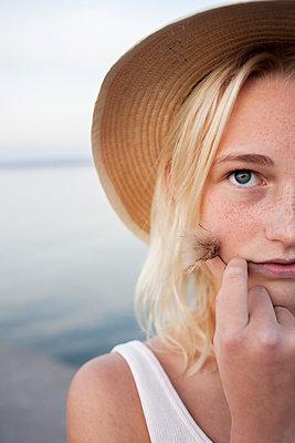 Portrait of teenage girl - p312m1470837 by Christina Strehlow