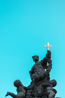 Goddess of flowers, sculpture, group of figures - p947m2196636 by Cristopher Civitillo