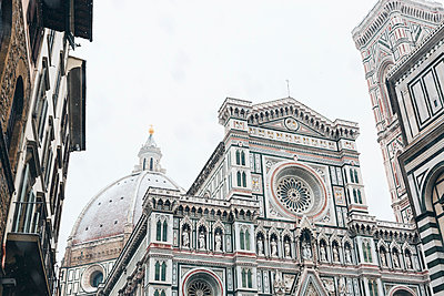 Italy, Florence, Basilica di Santa Maria del Fiore in winter - p300m2030013 by Giorgio Magini