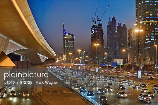 Dubai Internet City rush hour motorway traffic E11 - p1048m1512725 by Mark Wagner