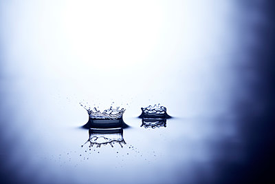 Two water drops hit surface of water - p851m1481652 by Lohfink