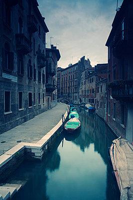 Kanal in Venedig;  Italien - p3300305 von Harald Braun