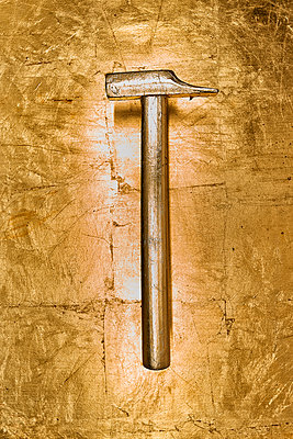 Golden hammer - p587m990100 by Spitta + Hellwig