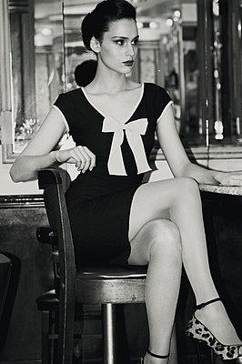 Retro/vintage-style fashion portraits - p988m792903 by Rachel Rebibo