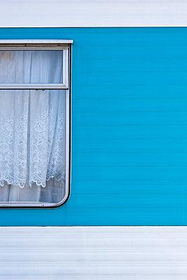 Fenster am Wohnwagen - p2200866 von Kai Jabs