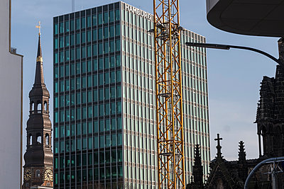 Germany, Hamburg, Steeple and high rise building - p229m2253036 by Martin Langer