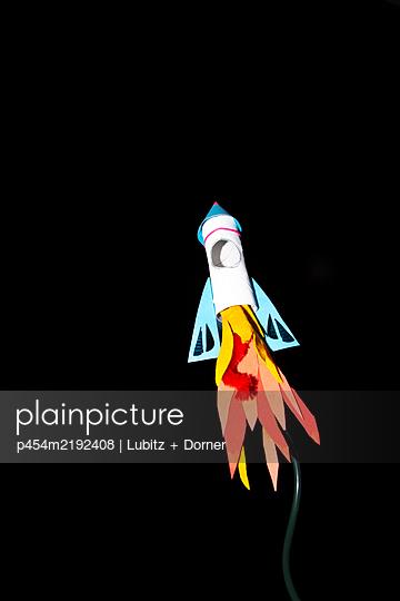 Takeoff  - p454m2192408 by Lubitz + Dorner