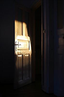 Albautür - p1064m2111139 von Esmeralda