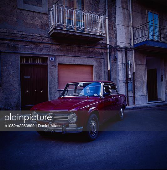 Oldtimer in Rom - p1082m2230899 von Daniel Allan