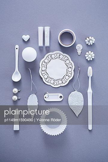 Sammlung weißer Objekte - p1149m1590490 von Yvonne Röder