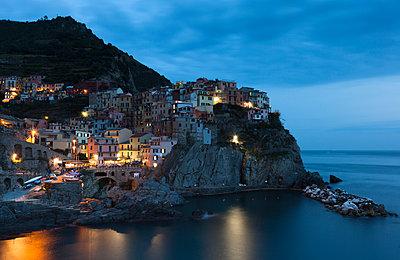 Italy, Liguria, Manarola - p300m1205977 by Christina Falkenberg