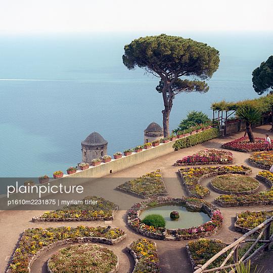 A garden in Ravello - p1610m2231875 by myriam tirler