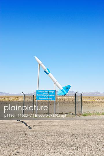 Rakete an der Tonopah Test Range - p1196m1182347 von Biederbick & Rumpf