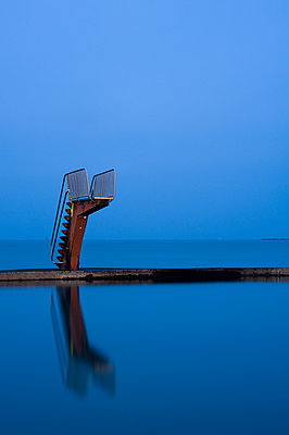 Diving platform on a sea pool - p589m1171120 by Thierry Beauvir