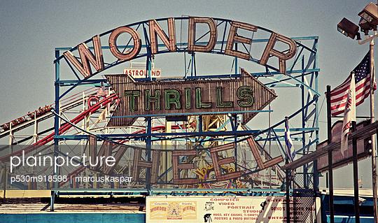 Coney Island - p530m918598 von marcuskaspar