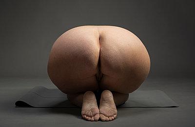 Bottom of a fat woman - p1132m2259047 by Mischa Keijser
