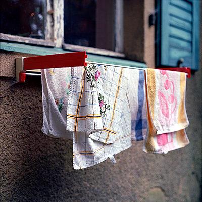 Towel rail - p989m939848 by Gine Seitz