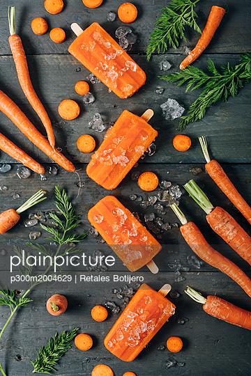 Carrot ice popsicles - p300m2004629 von Retales Botijero