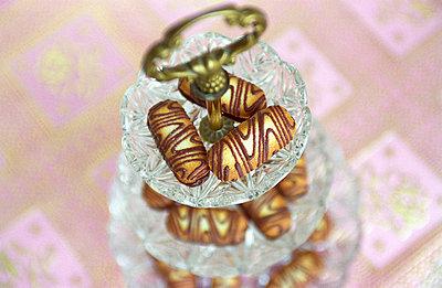 Bonboniere mit Keksen - p1650137 von Andrea Schoenrock