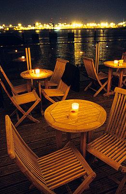Au Quai Bar - p4470155 von Anja Lubitz
