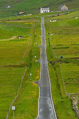 Bigton on Shetland Islands, United Kingdom - p352m2120917 by Eddie Granlund