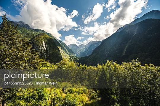 Bergpanorama im Triglav National Park in Slowenien - p1455m1525523 von Ingmar Wein