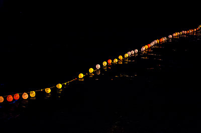 Balloons - p1007m886840 by Tilby Vattard
