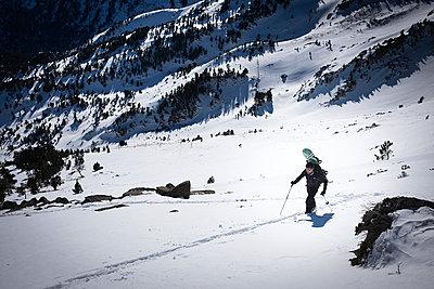 Ski tour - p1007m959945 by Tilby Vattard