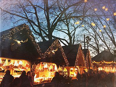 Germany, Cologne, Christmas market - p300m1009986 by Gaby Wojciech