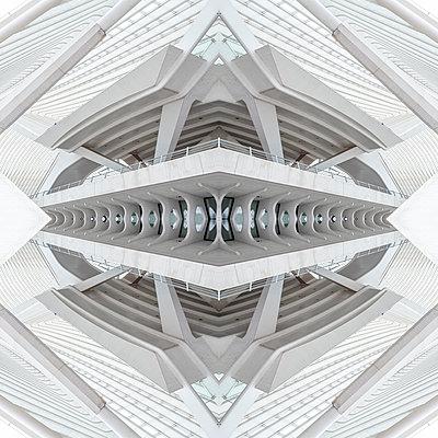 Abstract kaleidoscope pattern Liège-Guillemins station in Liège - p401m2209295 by Frank Baquet